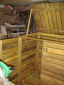 abri caches poubelles en bois de palette d 39 occasion petites annonces. Black Bedroom Furniture Sets. Home Design Ideas