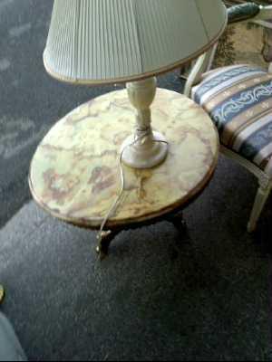 lampe albatre d 39 occasion. Black Bedroom Furniture Sets. Home Design Ideas