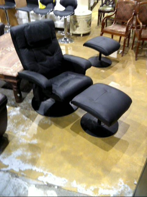 fauteuil simili cuir repose pied d 39 occasion. Black Bedroom Furniture Sets. Home Design Ideas