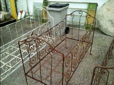 lit fer forge 55x125 d 39 occasion. Black Bedroom Furniture Sets. Home Design Ideas